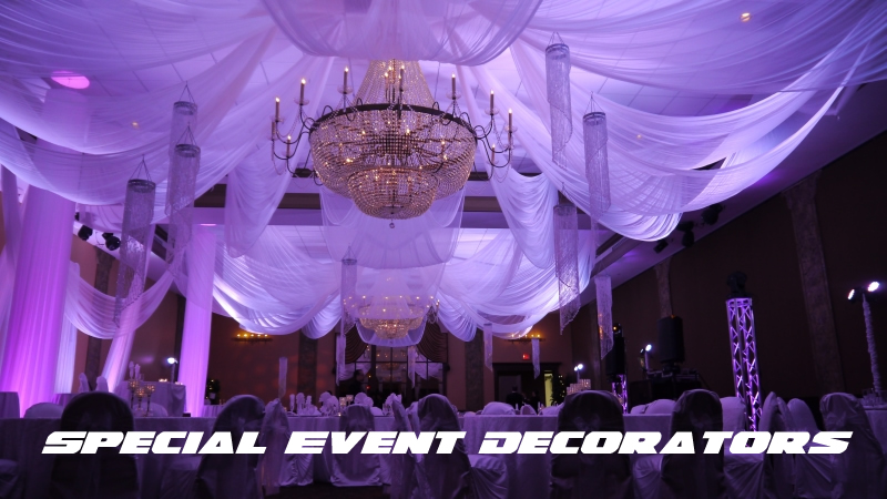 Indian Style with Chandeliers - Purple